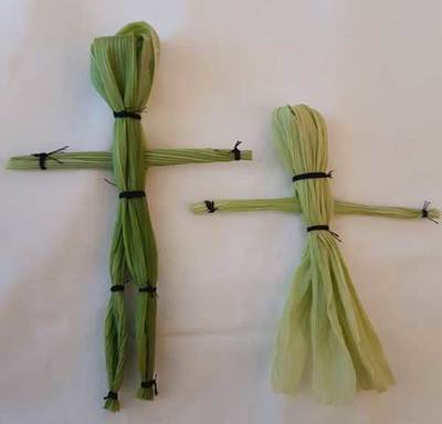 corn husk dolly,nature crafts